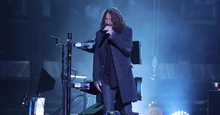 Chris Cornell begik selvmord – hængte sig selv i et hotelværelse i Detroit