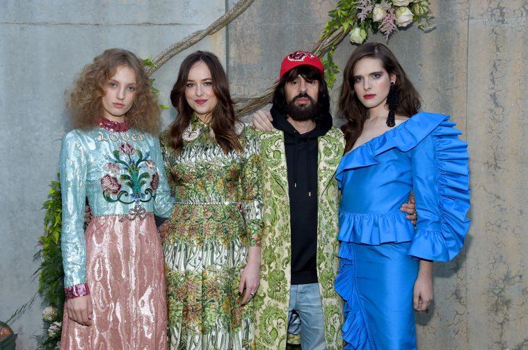 Petra Collins, Dakota Johnson, Alessandro Michele og Hari Nef til lanceringen af Gucci Bloom-parfumen