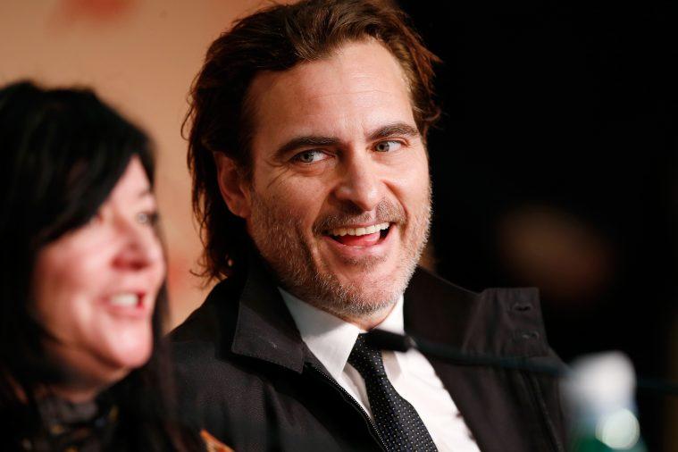 Joaquin Phoenix og instruktør Lynne Ramsay i Cannes.
