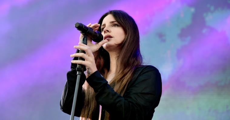 Lana Del Rey annoncerer album 'Norman Fucking Rockwell' med blændende ny single: 'Venice Bitch'