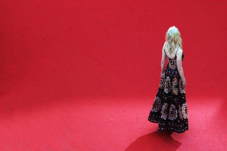 Det er nemt at glemme bagsiden af den røde løber i Cannes, som her betrædes af Nicole Kidman.