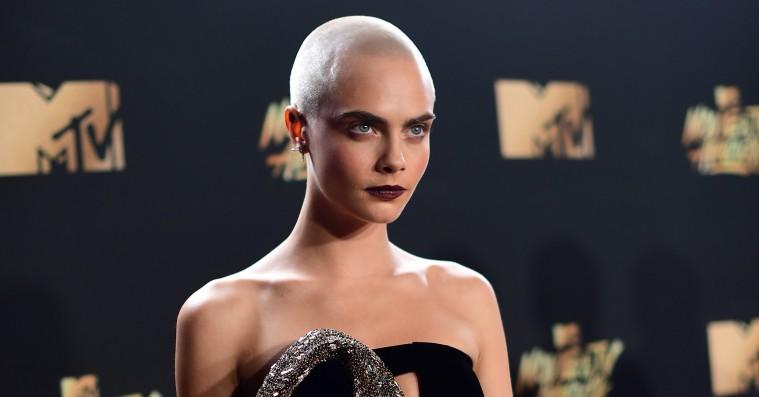 Cara Delevingnes nye frisure stjal opmærksomheden til MTV Movie And TV Awards