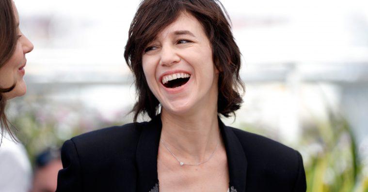 Vi elsker Charlotte Gainsbourgs stil – enkel og elegant i Cannes