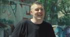 Video: DJ Er Du Dum Eller Hvad hjælper dig med at overleve Distortion: »Brug aldrig en Puch Maxi som røgmaskine«