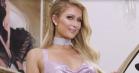 Paris Hilton parodierer sig selv og 00'er-mode – rammer plet