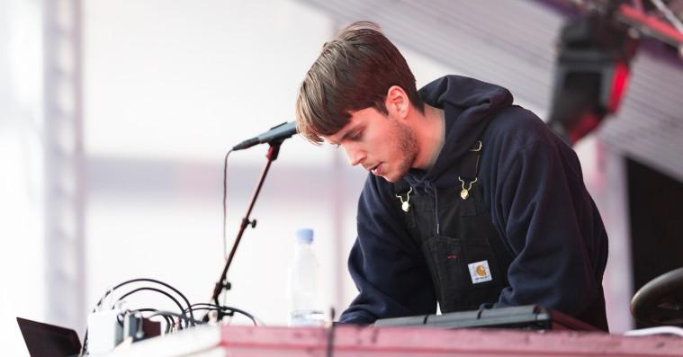 Roskilde Festival: Caius' første liveshow nogensinde var et tilforladeligt lydtapet