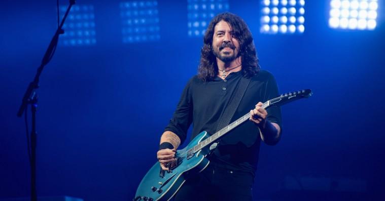 Nirvanas nulevende medlemmer samledes til reunion-koncert – se dem spille seks numre