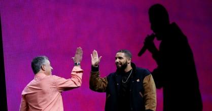 Spotify og Apple Music kører en stille priskrig – og det er en fuckfinger til musikbranchen