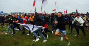Ti billeder fra Instagam, der viser Roskilde Festival gå fra græsplet til campingby
