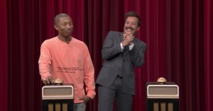 Jimmy Fallon kan ikke hamle op med Pharrells 11 Grammys i sang-gætteleg