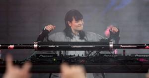 Roskilde Festival: Forløsningen indtraf med nød og næppe til Purpurrpurples dystopiske klubfest