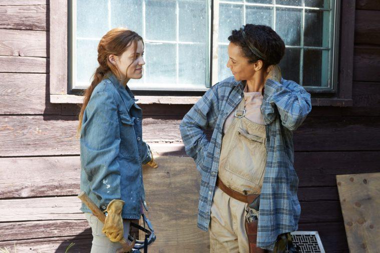Riley Keough og Carmen Ejogo i Trey Edward Schults' aktuelle 'It Comes at Night'.