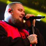Rag'n'Bone Man leverede gumpetung, blåøjet soul på Roskilde Festival