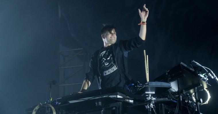 Trentemøller på Roskilde Festival: Dystert Arena-show fra genrekamæleonen