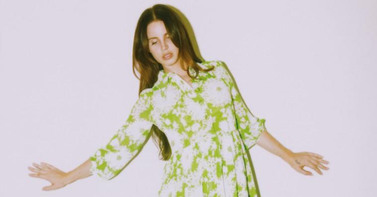 Lana Del Rey varmer op til nyt album med sang og video: 'Mariners Apartment Complex'