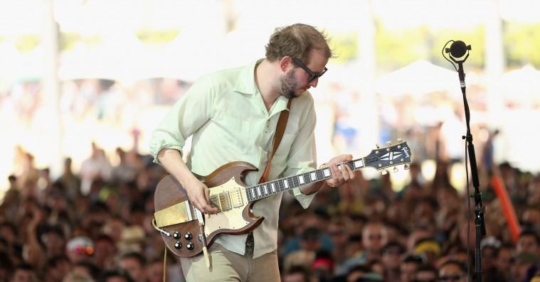 Justin Vernon og venner danner Bill Withers-coverband på festival – se Vernon synge 'Ain't No Sunshine'