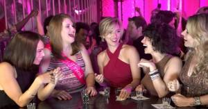 'Girls Night Out': Sløset polterabendfarce spilder sine talentfulde kvinder på tamponjokes