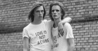Danske designere laver velgørende t-shirts – støtter LGBTQ-rettigheder