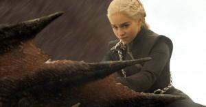 Emilia Clarke vrisser over det ensporede fokus på nøgenhed i 'Game of Thrones'