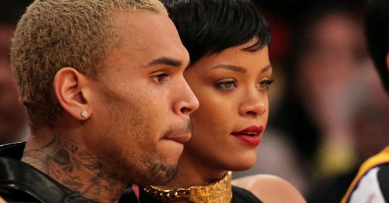 Chris Brown gennemgår det voldelige overfald på Rihanna i klip fra dokumentar