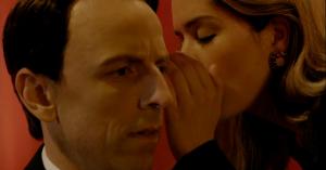 Seth Meyers laver gennemført 'Twin Peaks'-parodi i det røde rum