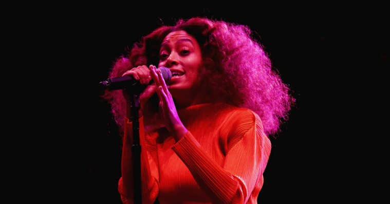 Se Solange optræde live med sit teenage-crush i New Orleans