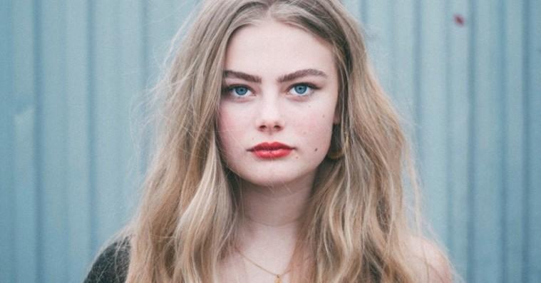 Dansk webserie hudfletter unges drukkultur – effektivt, men med en åbenlys udfordring