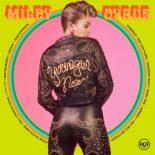 Miley Cyrus giver fingeren til provokationslysten på countrybegejstret voksenalbum - Younger Now