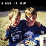 Bisses '19.6.87' er en strålende ode til barndommen og fremtidens drømme - 19.6.87