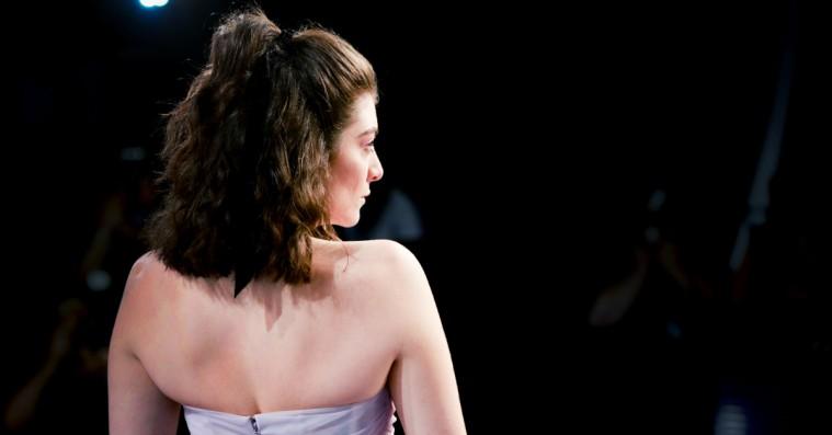 Lorde er ekstatisk over sin Vogue-forside: Benytter lejligheden til at disse mobbere