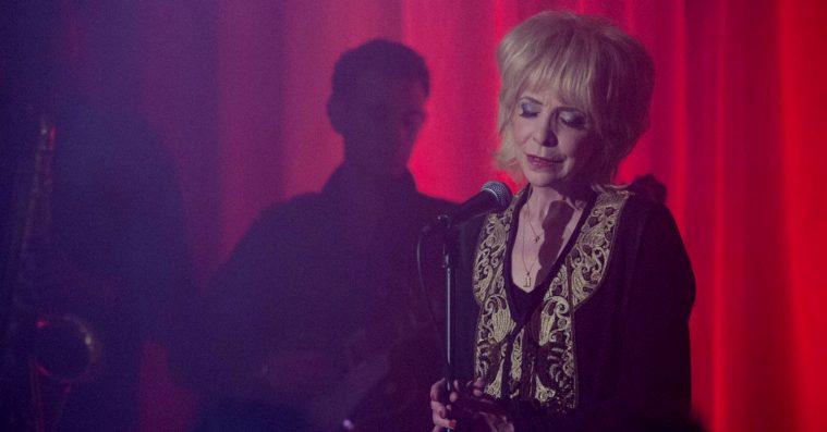 Ikonisk 'Twin Peaks'-sangerinde: »Jeg vil aldrig tilgive Lynch«