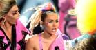 Miley Cyrus' image-udvikling set gennem en millennials øjne – fra purity ring til strap-on