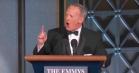 Udmobbet Trump-talsmand dukkede op til Emmy Awards – og det var pinagtigt
