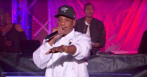 Jay-Z leverer overlegen optræden i BBC's Live Lounge – spiller 'Numb/Encore' og 'Family Feud'
