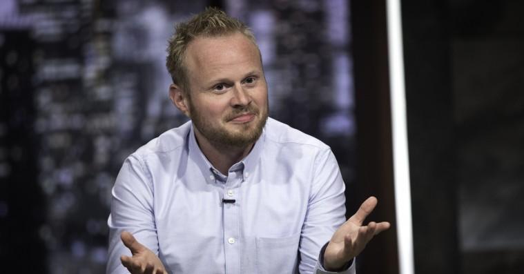 'Tæt på sandheden med Jonatan Spang': Jon Stewart har endelig fået en værdig dansk arvtager