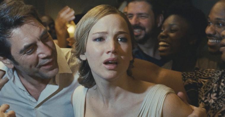 Sjældent har en filmskaber haft hovedet så langt oppe i egen Hollywood-røv som i 'Mother!'