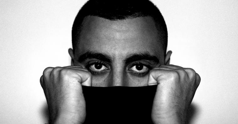 Standard Xclusive: Bobby Shams' 'Blå' giver os Ukendt Kunstner-vibes