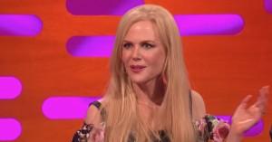 Nicole Kidman forklarer sit Emmy-kys til Alexander Skarsgård for næsen af Keith Urban