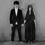 U2 lyder i det mindste som et band igen på 'Songs of Experience' - Songs of Experience