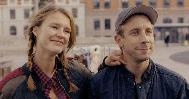Det skal du se i biografen i december: Sprængfarlig dansk satire, bjergtagende debut, Woody Allen og… stjernekrig!