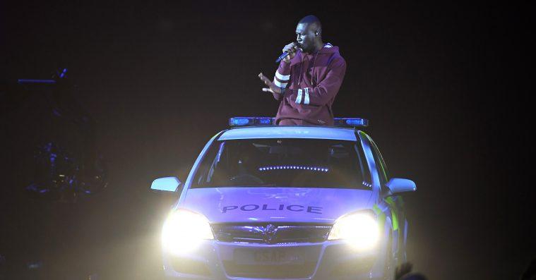 Stormzy optrådte i politibil til MTV EMA's – se ham spille 'Big For Your Boots'