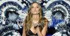 Josephine Skriver var en mørk engel ved Victoria's Secrets show – se begge hendes outfits