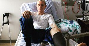 Niels Brandts brækkede fod har bragt ham tættere på musikken: »De der krykker kan noget«