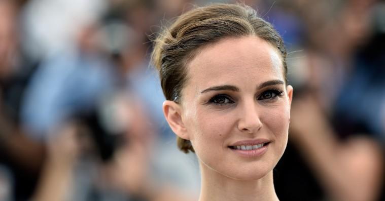 Natalie Portman afviser »creepy« Mobys historie om, at de to har haft et forhold