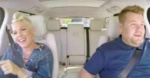 Carpool Karaoke: Pink og James Corden synger 'Get This Party Started' – på hovedet