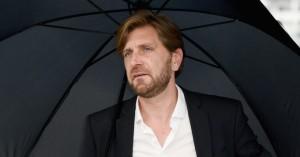 'The Square'-instruktør Ruben Östlund: »Hvem tror kongen, han er?«