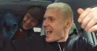 Se Niels Brandts møde med de største Minds-fans når han lader dem sniglytte til 'Solkongen'