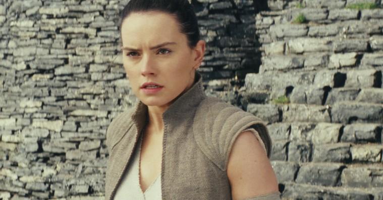 'Star Wars'-instruktør sår tvivl om sandheden om Reys forældre