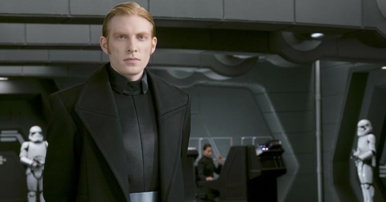 29.000 fans vil have 'The Last Jedi' trukket tilbage – og Rian Johnson er übercool omkring det