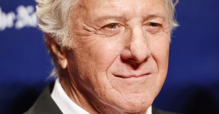 Dustin Hoffman i live-clinch med John Oliver over sexchikaneklager